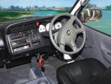 JNQ6495-Mini van